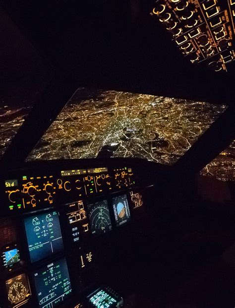 minutes    landing  london london night airplane photography plane photography