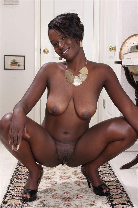 Ebony Milf Sayanna Monroe Finger Her Choco Muffin Milf Fox