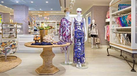 seasons maui boasts  trio  distinctive boutiques