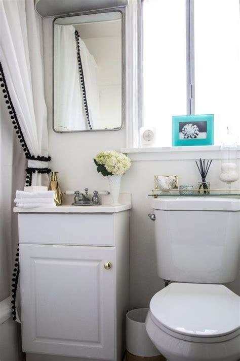 apartment bathroom ideas best 25 rental bathroom ideas on rental Rental
