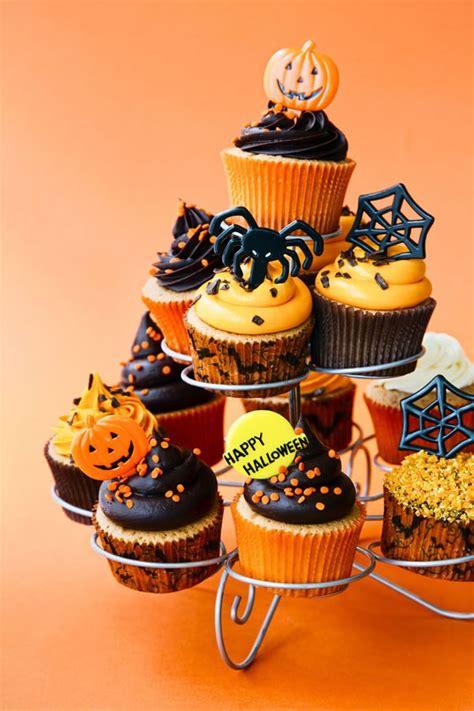 fun  creative halloween cupcakes