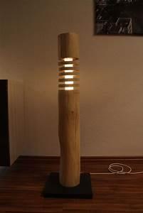 Stehlampe Holz Design : stehlampen theshiningwood stehlampe aus holz led rgbww ~ Watch28wear.com Haus und Dekorationen