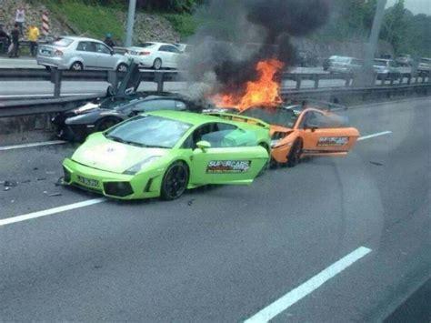 crashed lamborghini veneno three lamborghinis burn to the ground after crashing into
