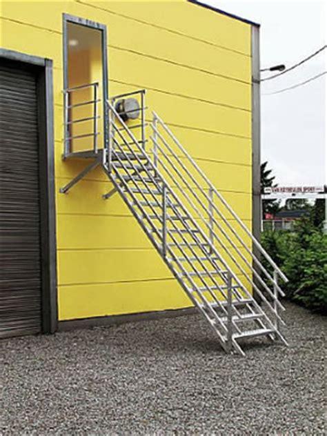norme escalier industriel metallique escalier m 233 tallique industriel escalier de secours aluminium