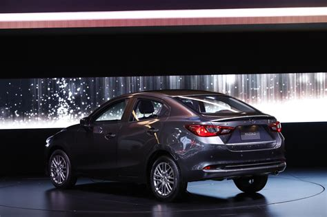 Mazda2 has been designed to look beautiful from any angle, taking a 'less is more' approach that conveys a sense of quality and elegance well above its peers. マツダタイ、商品改良「MAZDA2」を正式発表 | K-BLOG NEXT