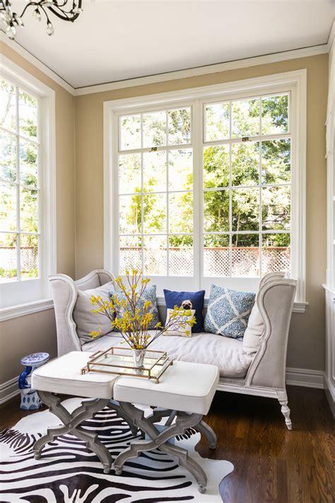 settees  small spaces living room midcentury  area rug art work beeyoutifullifecom