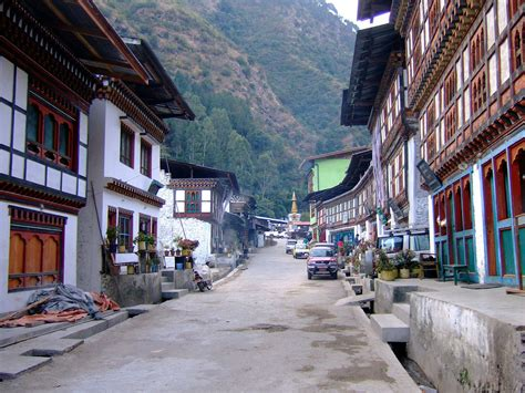 Bhutan Travel Guide And Travel Information