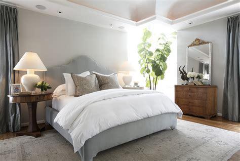 position du lit dans la chambre comment appliquer le feng shui dans la chambre à coucher