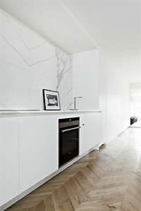parquet au mur simple papier peint pour couloir comment With parquet au mur