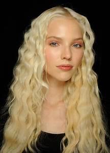 Lange Glatte Haare : lange blonde haare bilder ~ Frokenaadalensverden.com Haus und Dekorationen
