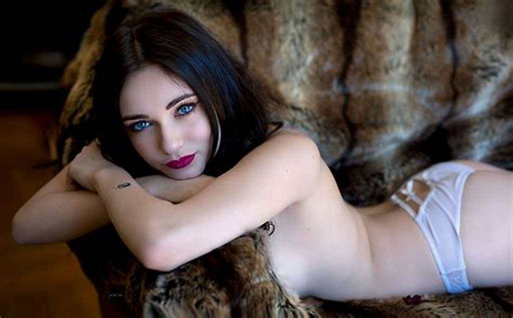 #Nude #Dark #Haired #Woman