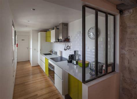 plan cuisine en longueur amenagement cuisine couloir photos de conception de