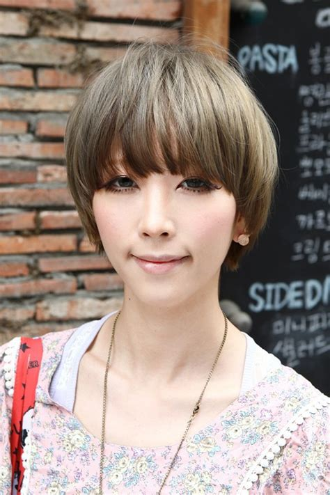 beautiful bowl cut  retro fringe short japanese