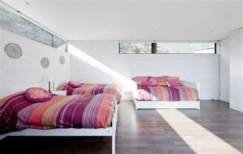 Minimalistische Einrichtung Des Kinderzimmerskinderetagenbett In Weiss by Minimalismus Architektur Aus Chile F 252 R Innen Und Au 223 En