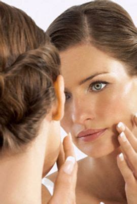 tips mengatasi kulit wajah berminyak berlebih dengan alami