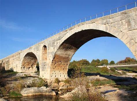 chambre d hotes rome pont julien avignon et provence