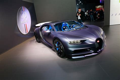 """In that model name, you'll notice that this is no ordinary chiron and it is actually the newer chiron sport. Bugatti u Ženevi predstavio i Chiron Sport """"110 Ans ..."""