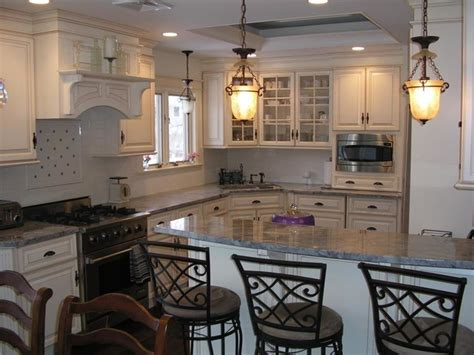 ideas to remodel a small kitchen traditional kitchen dining room combination