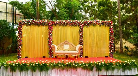 looking for outdoor engagement decoration in bangalore