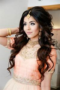16 Best Traditional Hairstyles for Indian Women Blog Post