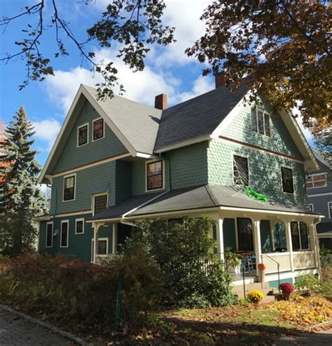 Queen Anne Seattle, Wawhington  Historic House Colors
