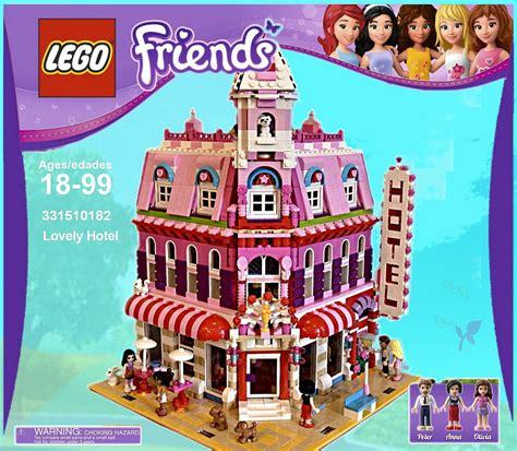 Lego Friends Lovely Hotel, A Wonderful Cafe Corner (10182