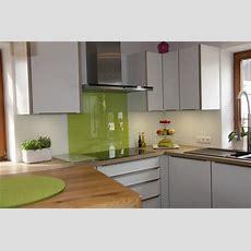 Küche Weiß, Eichenarbeitsplatte, Edelstahlgriffe
