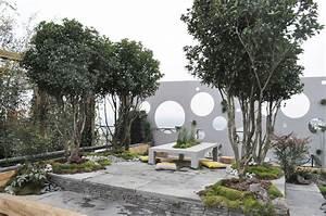 awesome idee deco jardin contemporain gallery design With idee deco terrasse jardin 13 decoration salon zebre