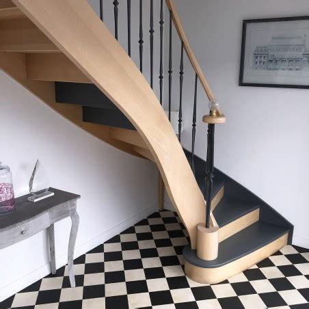 escalier de prestige en bois  fer forge modele