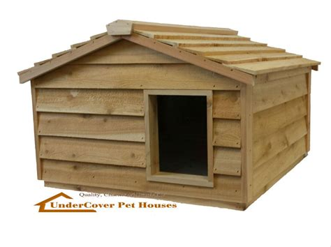 insulated outdoor cat house large insulated cedar outdoor cat house small