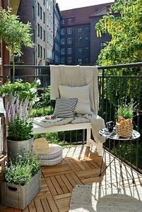 Balkongestaltung Kleiner Balkon : kleinen balkon gestalten laden sie den sommer zu sich ein ~ Michelbontemps.com Haus und Dekorationen