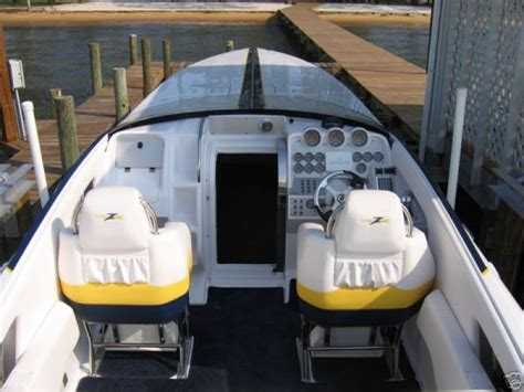 Donzi Go Fast Boats For Sale by Go Fast Donzi 43zr The Hull Boating And Fishing