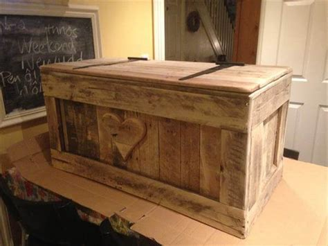 shabby chic pallet toy box  pallets