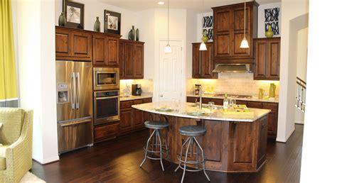 pretty kitchen cabinets knotty alder cabinet stain colors et17 roccommunity 1647