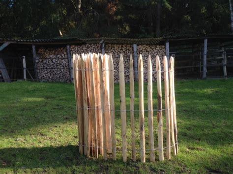 staketenzaun kastanie oder haselnuss staketen rollzaun