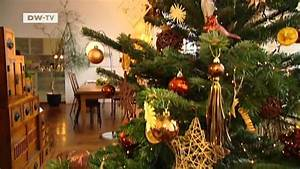 Geschmückter Weihnachtsbaum Fotos : der perfekt geschm ckte weihnachtsbaum euromaxx ~ Articles-book.com Haus und Dekorationen
