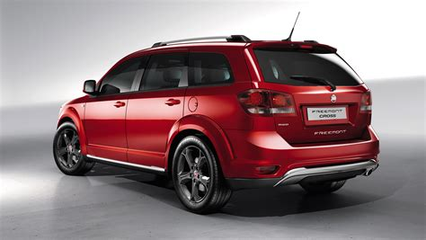 Fiat Freemont by 2014 Fiat Freemont Cross To Be Shown In Geneva
