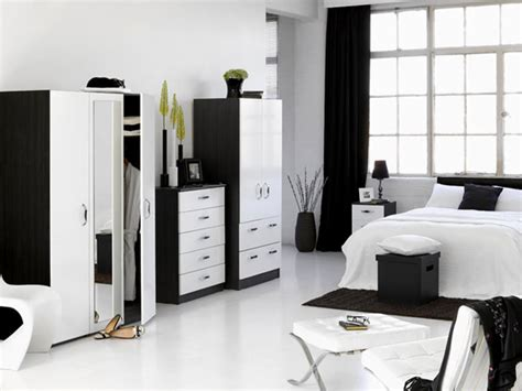 Black And White Bedroom Design Suggestions-interior