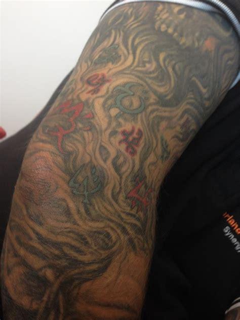 peter  bretts blog detailed warded sleeve tatt