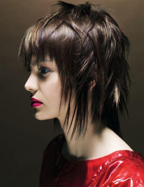 medium length layered haircuts for wavy hair