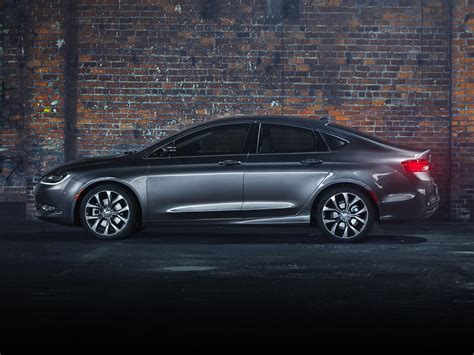 standard chrysler 200 new 2017 chrysler 200 price photos reviews safety