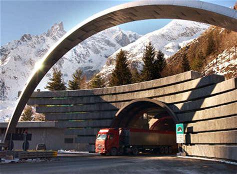 trafic tunnel du mont blanc les entreprises publiques les plus rentables n 176 2 autoroutes et tunnel du mont blanc 25