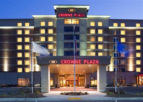 Rezime Crown Hotel by Hotel Crowne Plaza Milwaukee West Wauwatosa Wi Booking