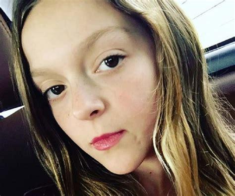 sarah dorothy  bio facts family life  vlogger