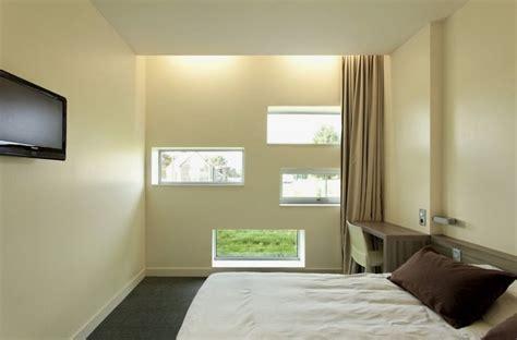 hotel  multiple horizontal windows   facade