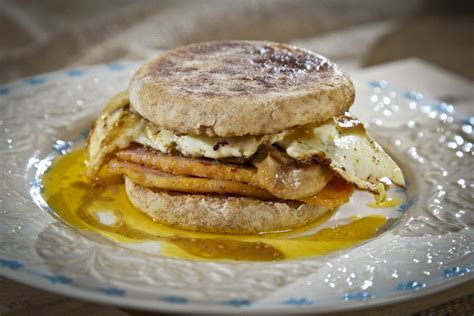 Breakfast Sandwiches Constrict Blood Flow Within Hours Of