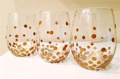 i bicchieri come decorare i bicchieri per la tavola di natale idee