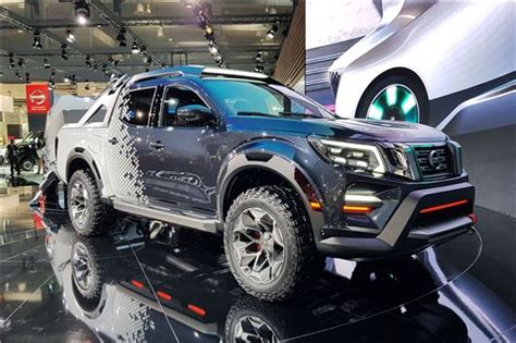 nissan navara dark sky concept features  towing tech