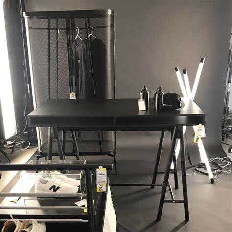 armoire bureau bois bureau en bois noir et armoire monochrome collection
