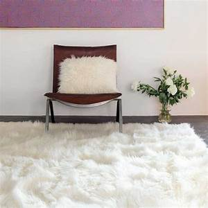 tapis de luxe shaggy blanc en fausse fourrure par ligne pure With tapis shaggy avec plaids fourrure pour canapé